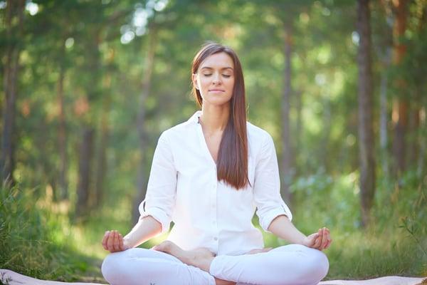 yin-yoga-bienfaits-pratique-definition