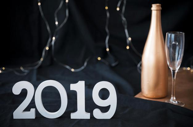 inscription-2019-bouteille-champagne_23-2147981506